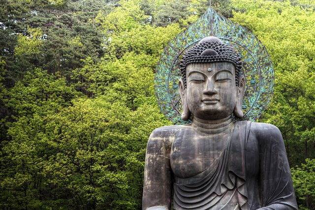 Buddha: Seoraksan National Park, Sokcho, South Korea by Aaron Brown Photography, via Flickr