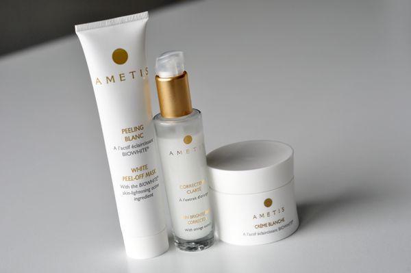 """Ik moet eerlijk zeggen dat ik absoluut tegen whitening crèmes ben om je huid lichter te maken. Persoonlijk ben ik hartstikke blij met mijn huidskleur en dat is ook altijd zo geweest. Ik schrik dan eigenlijk best wel als vrouwen zich met allerlei cremes insmeren, alleen om lichter te... <a href=""""http://www.myblackhair.nl/pigmentvlekken-verwijderen-met-ametis-whitening-cream/"""">Read More →</a>"""