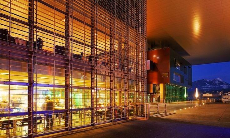Концертный зал культурного центра Люцерна https://zalservice.ru/zaly-mira/kulturnyi-center-lucerna/  Открытый в конце девяностых в Швейцарии зал замечателен тем, что его акустика с самого начала рассчитана только на классическую музыку и академические выступления.