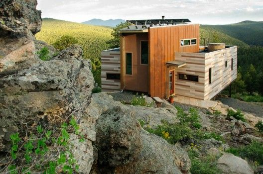 Shipping Container House / Studio H:T ColoradoHouse Studio, Shipping Container Houses, Green Roof, Containerhouse, Shipping Container Homes, Ships Container House, Architecture, Ships Container Home, Shipping Containers