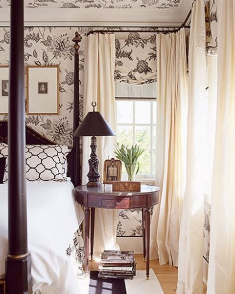 This is charming and traditional, great for an old house. I love the wallpaper but in my house I'd likely do solid walls and print curtains but this is good inspiration