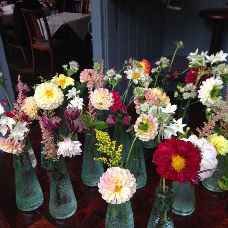 Table flowers with homegrown Dahlias, Astilbe, Astrantia, Solidago, Scabiosa and Narcissus for some colourful tables!