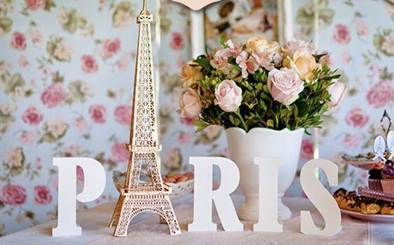 Decoração de festa com o tema Paris