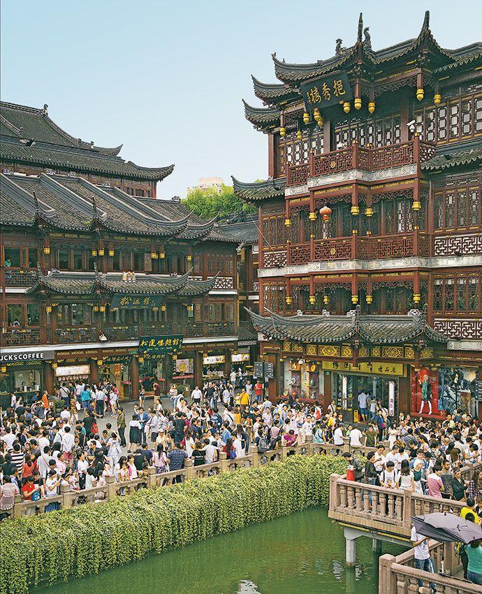 Navigate the world of Chinese etiquette in #Shanghai and avoid faux pas: http://enroute.aircanada.com/en/articles/chinese-etiquette-shanghai // Apprivoisez l'étiquette chinoise à #Shanghai et évitez les faux pas: http://enroute.aircanada.com/fr/articles/secrets-de-polis-chinois