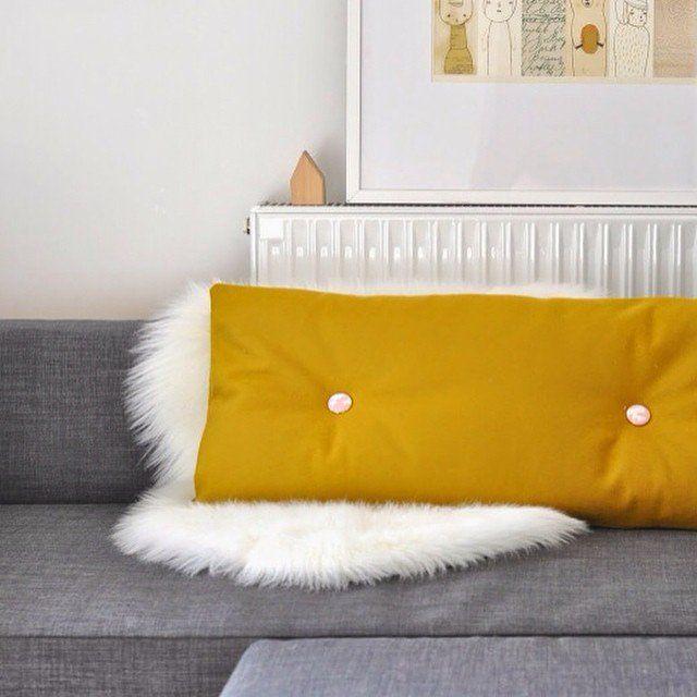 les 25 meilleures id es de la cat gorie coussin moutarde sur pinterest coussin but petit. Black Bedroom Furniture Sets. Home Design Ideas