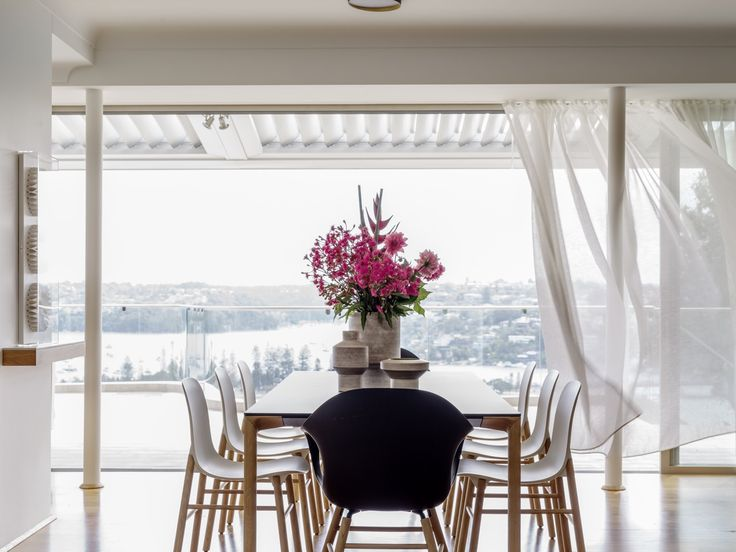 INTERIORS Alwill Interiors ARCHITECTURE Alwill Design  #interiors #diningroom #curtains #view #wood