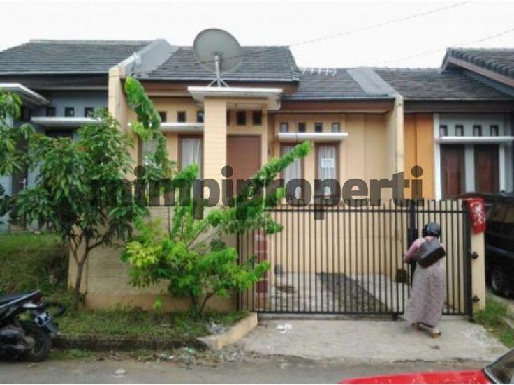 #DijualRumah Siap Huni dan harga yang terjangkau di Kota Bogor. Rumah dengan Luas Bangunan: 55 m2 dan Luas Area: 120 m2  Apakah anda berminat untuk membeli rumah ini? Langsung cek Informasi lengkapnya di situs pencarian properti #Mimpiproperti dengan membuka link dibawah ini : http://mimpiproperti.com/properti/rumah-dijual-babakan-bogor-rumah-dijual-di-sentul-city-bogor-20141016103947840.html