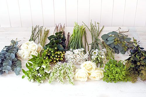 Flower Arranging - Step by Step : How to make a table arrangement by Philippa Craddock | Flowerona