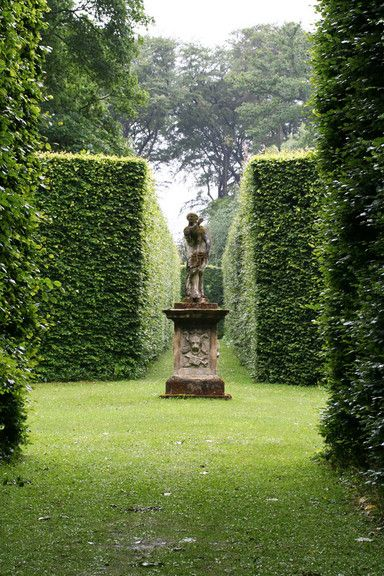 I'VE ALWAYS WANTED MY OWN HEDGE MAZE...since Harry Potter and the Goblet of Fire. But the goblet would be in the middle.