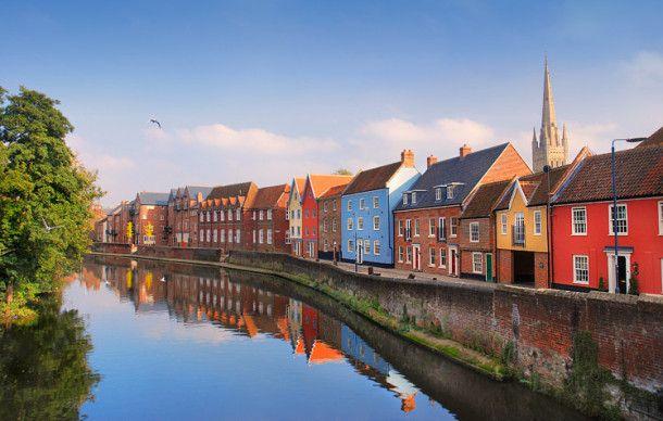 River Wensum, Norwich. Slow Travel Norfolk; wwww.bradtguides.com