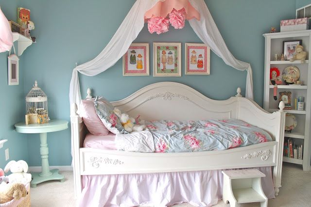 Shabby Chic Bedroom: Reveal! | welcometothemousehouse.comwelcometothemousehouse.com