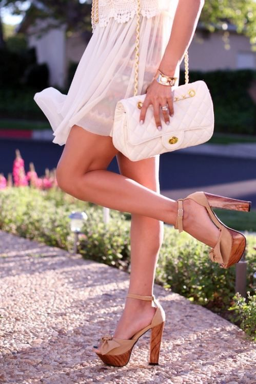 high-heels nude and wood