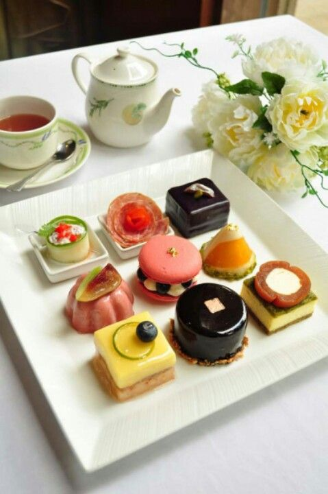 Tea time! i would request a pepsi with mine but i do enjoy tea on occassion. with lemon and honey