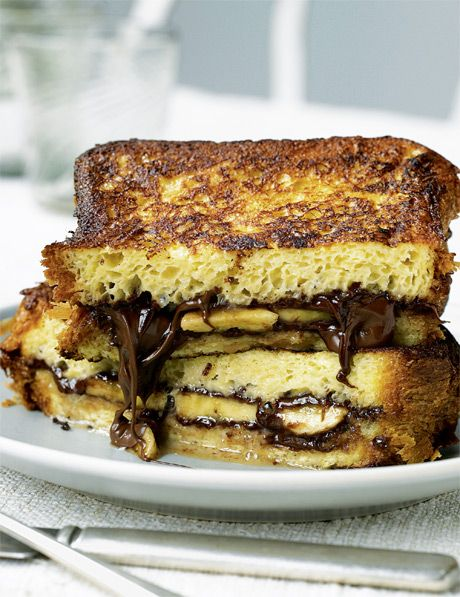 Nutella French Toast Sandwiches from katieleehome.com - Yum - pinned by http://sallyeidson.willowhouse.com