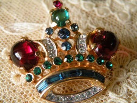 Crown Trifari トリファリ ジェリベリー 王冠ブローチ 小 ヴィンテージ/アルフレッドフィリップ - Maiden's drawer
