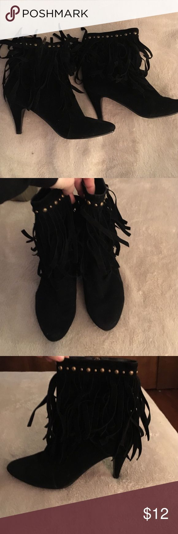 Size 9 ladies black suede-like ankle boots nice! Gently to hardly worn faux suede black ankle zip up boots with fringe size 9  twenty one brand. All man made . Cute! twentyone Shoes Heeled Boots