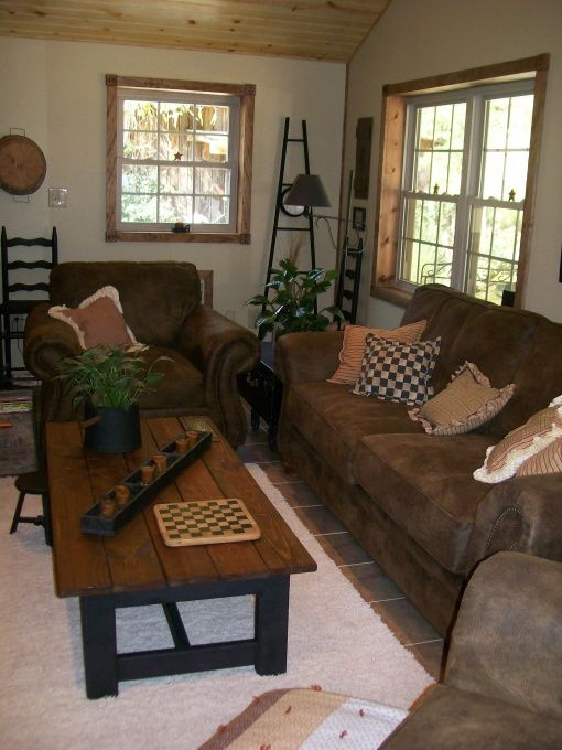 Primitive country and folk art living room designs for Primitive living room ideas