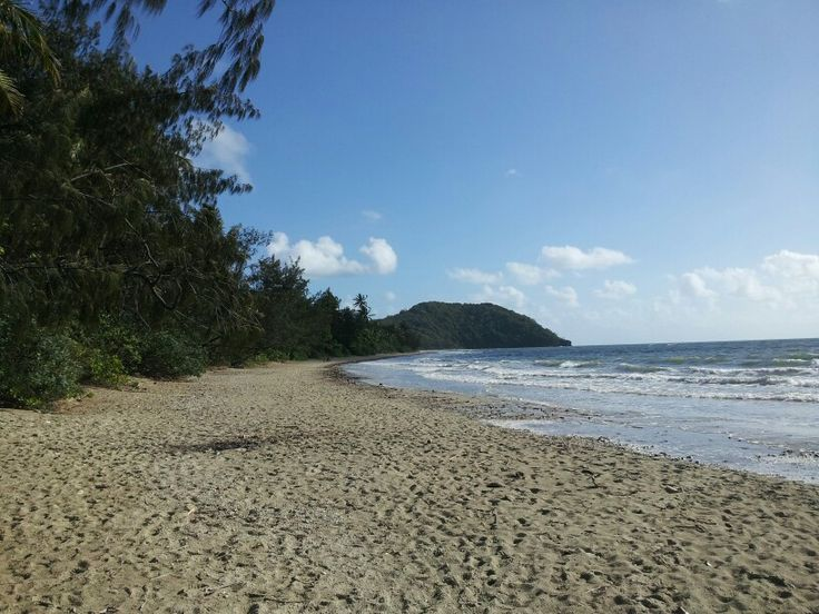 Myall Beach, south of Cape Tribulation