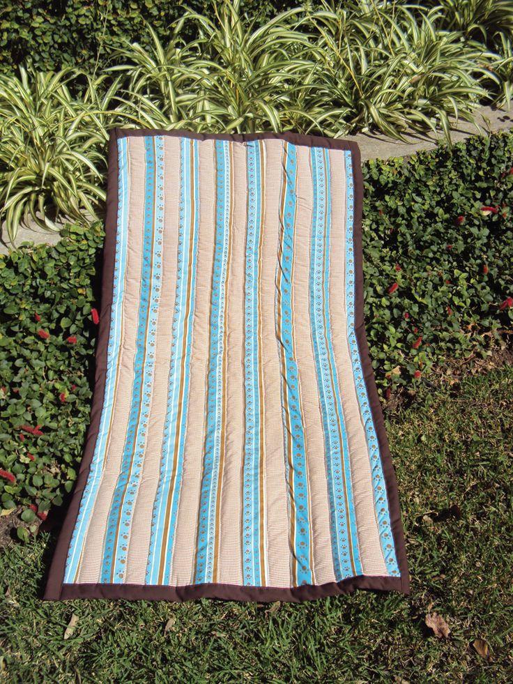 Manta em tecido 100% algodão,  tamanho 110cm x 60cm  Dupla face, para cães de grande porte. http://www.patchworktopet.blogspot.com.br