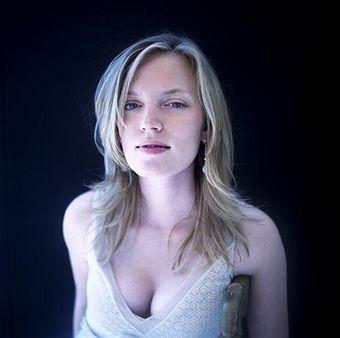 Sarah Polley -- Sian