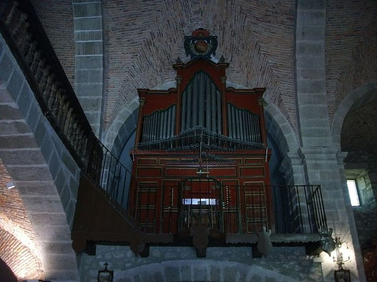 Organo Barroco Policromado de la Iglesia De Nuestra Señora de la Asunción de Cuacos. Una maravilla.