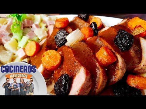 Receta: Lomo de cerdo en salsa de ciruela con ensalada fría   Cocineros Mexicanos - YouTube