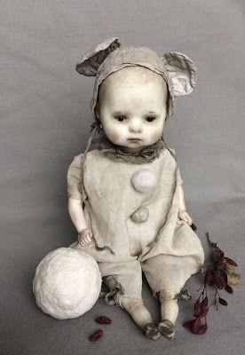 В этом году особенно рано повеяло зимой... поэтому  детки в новогодние костюмы оделись в начале декабря)           Маленькая антикварная г...