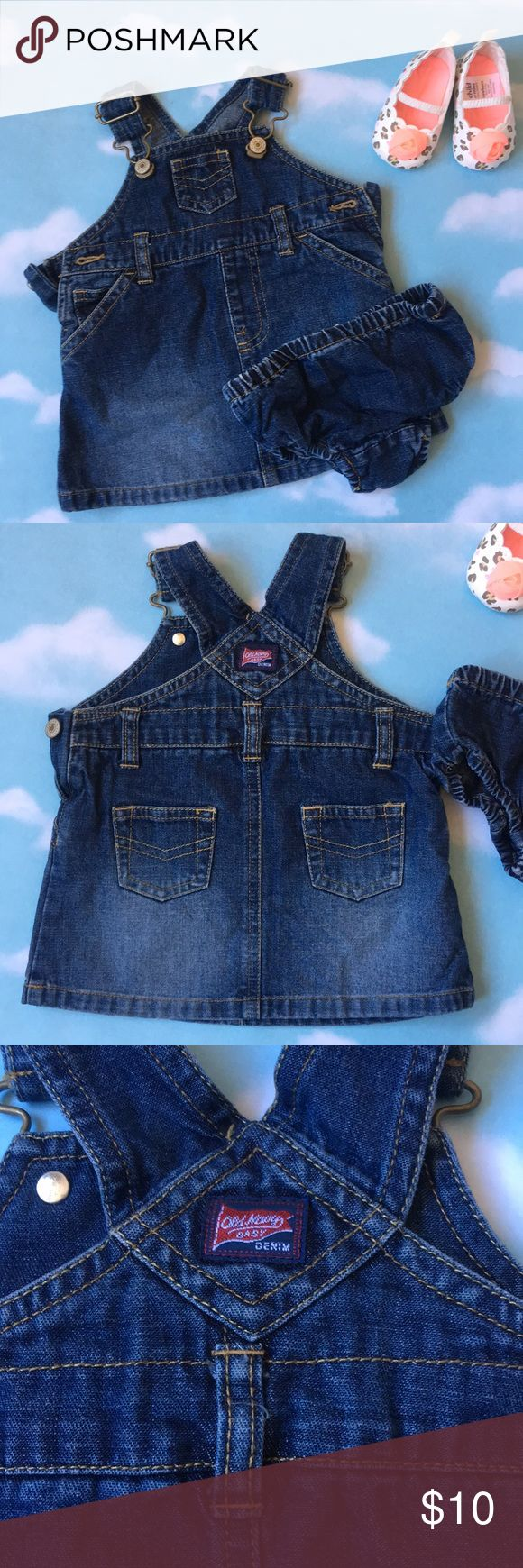 OLD NAVU DENIM OVERALL DRESS Keep you baby in style with this classic overall denim dress, shoe are included🦋 Old Navy Dresses