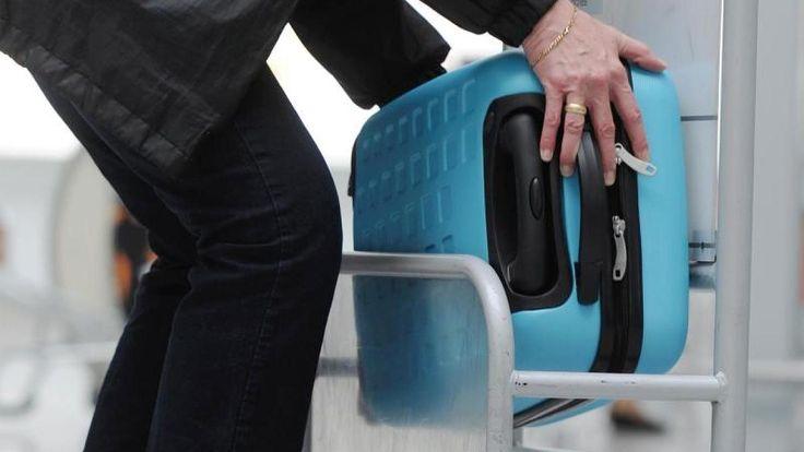Handgepäck: Regeln der Fluglinien für Maße und Gewicht - Video - FOCUS Online