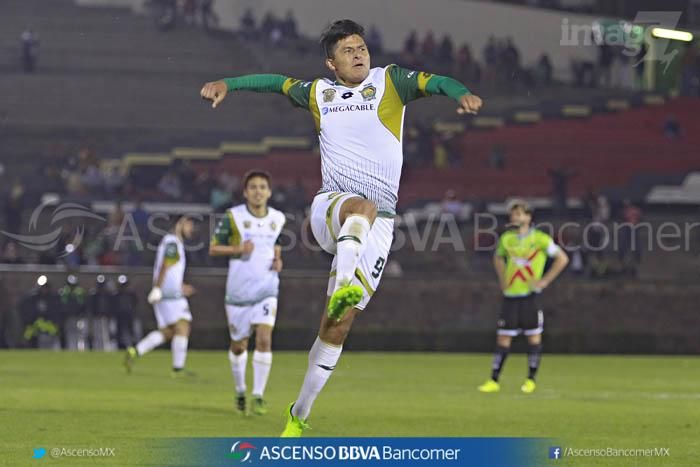 Con el ritmo del partido sostenido, de ida y vuelta, Potros estuvo más cerca de hacerse de nuevo presente en el marcador, Osorio se volvió a crear un espacio, se giró dentro del área y sacó una media vuelta que Cirilo Saucedo atajó de forma espectacular, cuando el Chivo Córdova estuvo a punto de cantar el gol