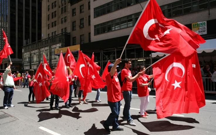 Türk Amerikan Dernekleri Federasyonu, 2013 New York Türk Günü Yürüyüş ve Festival Hazırlıkları çerçevesinde, gelecek seneki yürüyüş ve festivalin ana temasını bir anket sonucu belirleyeceğini açıkladı.