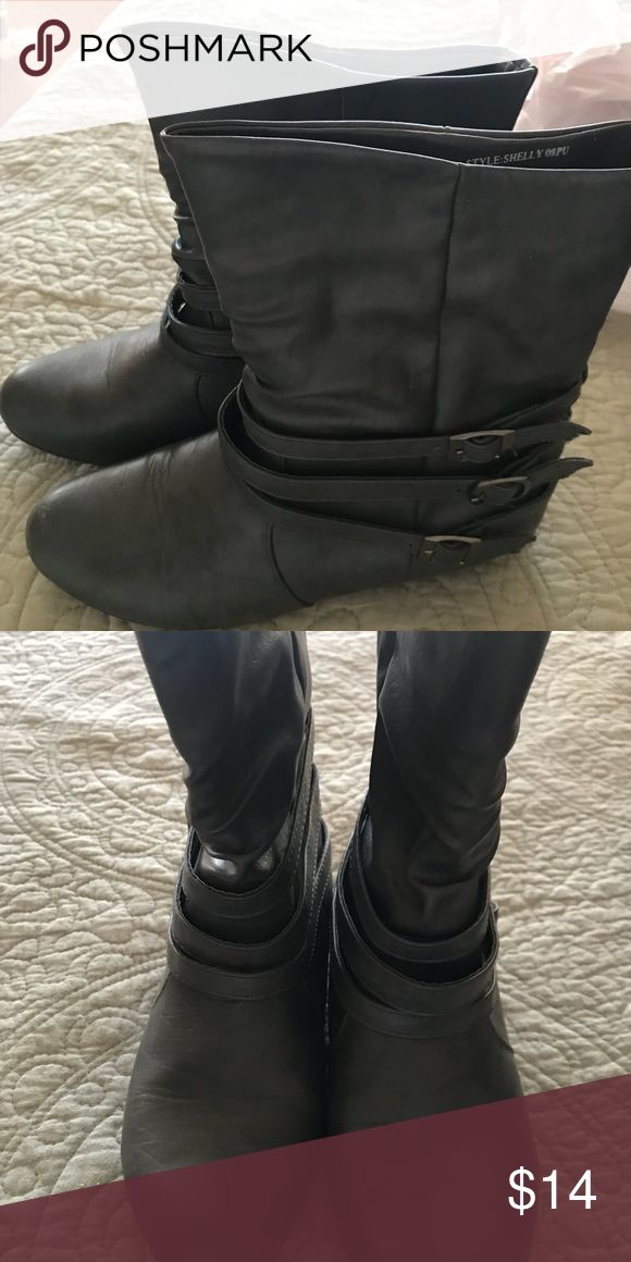 Grey low boots Approximately 8 inch tall grey boots. Good used condition. Non smoking home. Size says medium 7/8 Shoes Ankle Boots & Booties