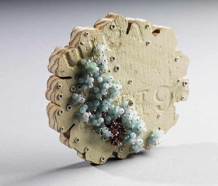 Alison Macleod Re-found Brooch: Jewellery Adornment, Jewellery Alchemy, Jewellery Ideas, Contemporary Jewelry, Jewellery Inspo, Jewellery Inspiration, Jacqueline Jewellery, Contemporary Jewellery