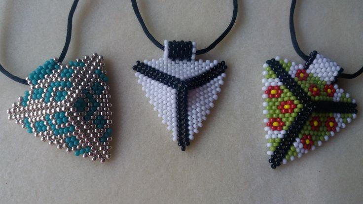 Hola amigos en el video de hoy voy a enseñaros como hacer estas preciosas y muy de moda flechas etnicas con abalorios. MY NEW CHANNEL VIDEO IN ENGLISH NATIBE...