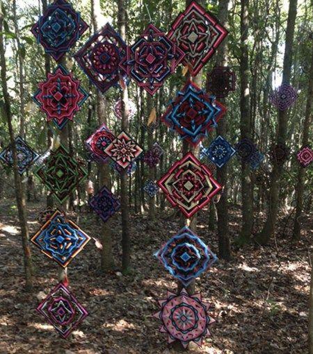 The Ojo de Dios Gods Eye weawing crafts 4