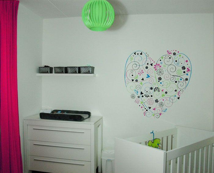Slaapkamer Ontwerp Paars  muurschildering hart met krullen en kleine