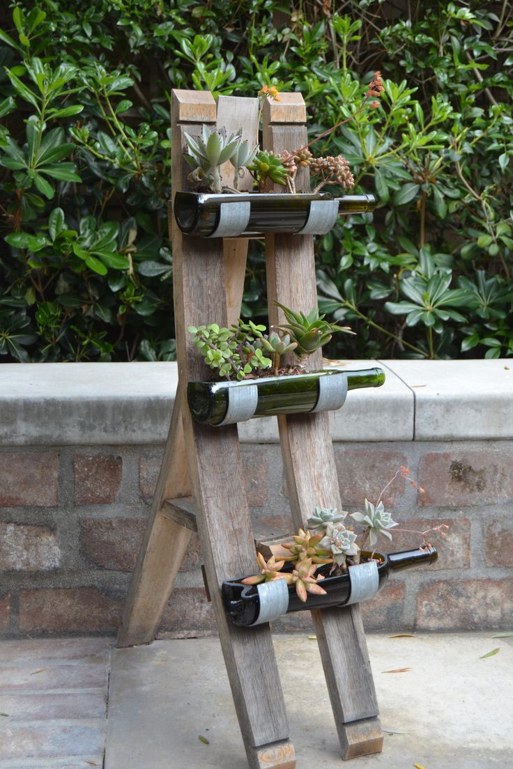 Wine bottle crafts outdoor - Floor Standing Bottle Garden Holder