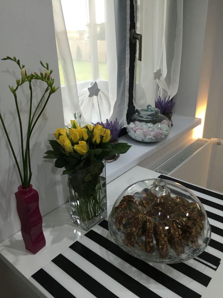 Yellow roses kitchen decoration