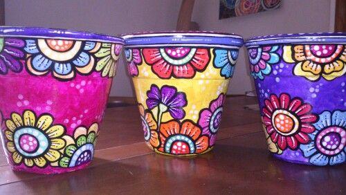 Trio de macetas pintadas