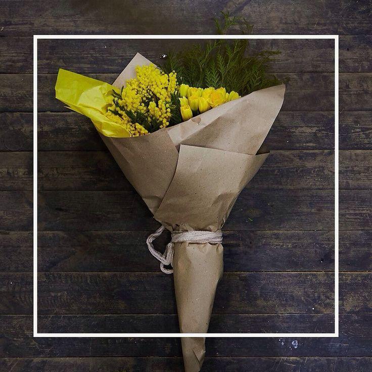 """""""Нужно всегда идти вперёд помня что после зимы всегда наступает весна."""" Наш букет сегодня об этом. Букет """"Зима  весна"""": мимозаароматные нарциссыветочки туи. Нарциссы  стройные строгие и одновременно нежные цветы всегда дарят спокойствие и домашний уют. Желтый цвет их лепестков олицетворяет внимание уважение готовность помочь сострадание и заботу. Если Вам преподнесли букет желтых нарциссов на языке цветов это означает что вы являетесь олицетворением солнечного света рядом с вами всегда…"""