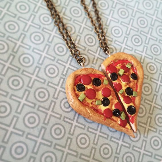 I love you so much, I might even give you the last slice. | 19 Fantastic Pieces Of Snack-Themed BFF Jewelry