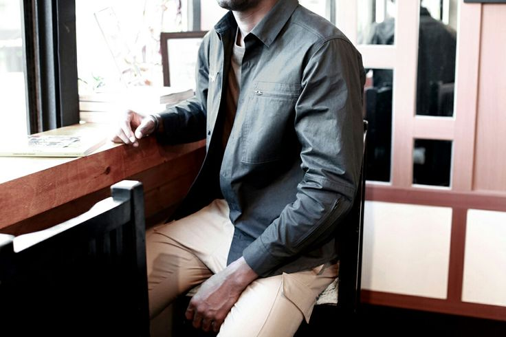 berkhan studio archive project grocery market store super mart zip pocket shirt detail snap chillin high fashion 벌칸 스튜디오 남성 패션 디자이너브랜드 아카이브 프로젝트 아트워크 디자인 예술 작품 남성복 디테일 아티스트 사진 영감
