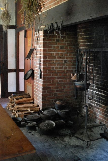 I Love the Colonial Dutch Oven Pots!