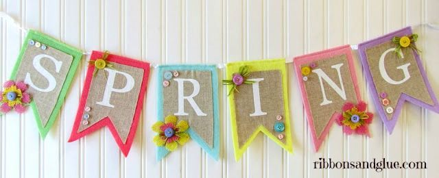 Spring Burlap & Button Banner  {ribbonsandglue.com}