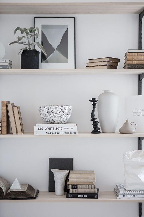 Book shelf styling