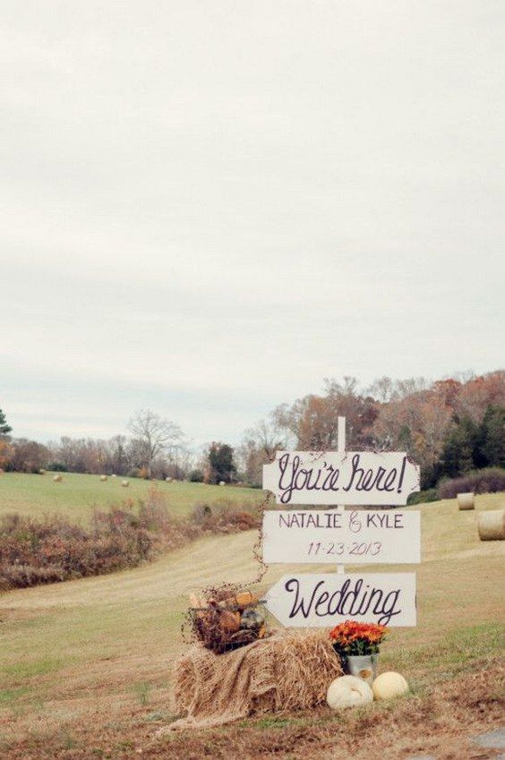 rustic diy vintage wedding sign / http://www.deerpearlflowers.com/vintage-bohemian-wedding-ideas/