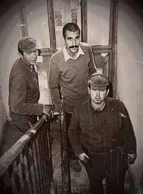 """""""Deniz Gezmiş ve arkadaşları 16 Temmuz 1971'de başlayan THKO-1 Davası'nda TCK'nin 146. maddesini ihlal ettiği gerekçesiyle, 9 Ekim 1971'de 146/1 maddesi uyarınca idam cezasına çarptırılmıştı."""""""