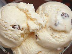 Εύκολο παγωτό με ζαχαρούχο Υλικά: 1 ζαχαρούχο γάλα 2 φάκελα σαντιγύ Garni 4 1/2 φλ. τσαγιού γάλα Εκτέλεση: Χτυπάμε στο μίξερ τα 2 φάκελα Garni με 3 φλ. τσα...