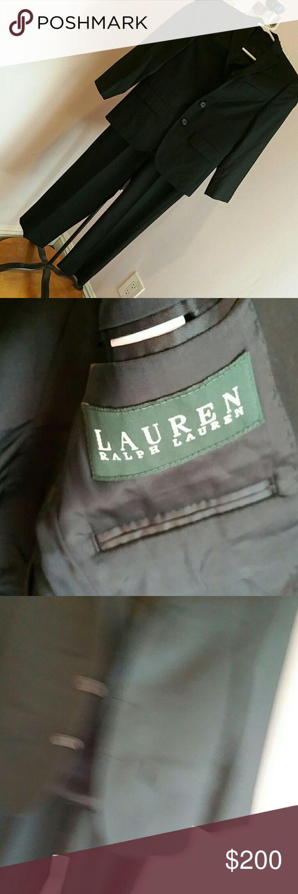 RALPH LAUREN BOYS SUIT. 8.  EUC This is a beautiful 2 pc. Boys black suit size 8 worn once Ralph Lauren Matching Sets