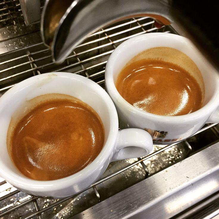 #attibassilovers #amsterdam #espressoworld #Repost #sensation #loveit #myworld #Koffieliefhebbers #mooistestad #Best_coffee_ever @attibassicaffe #bello #sweet #attibassi